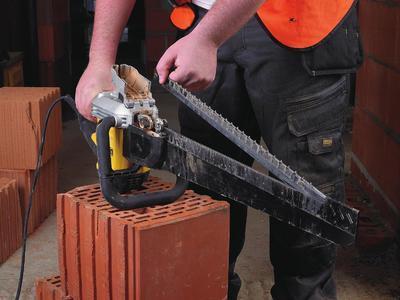 Pila Alligator DWE398 1700W list 430mm na duté cihly tř 20 ( plátek DT2976 ) Dewalt - 5